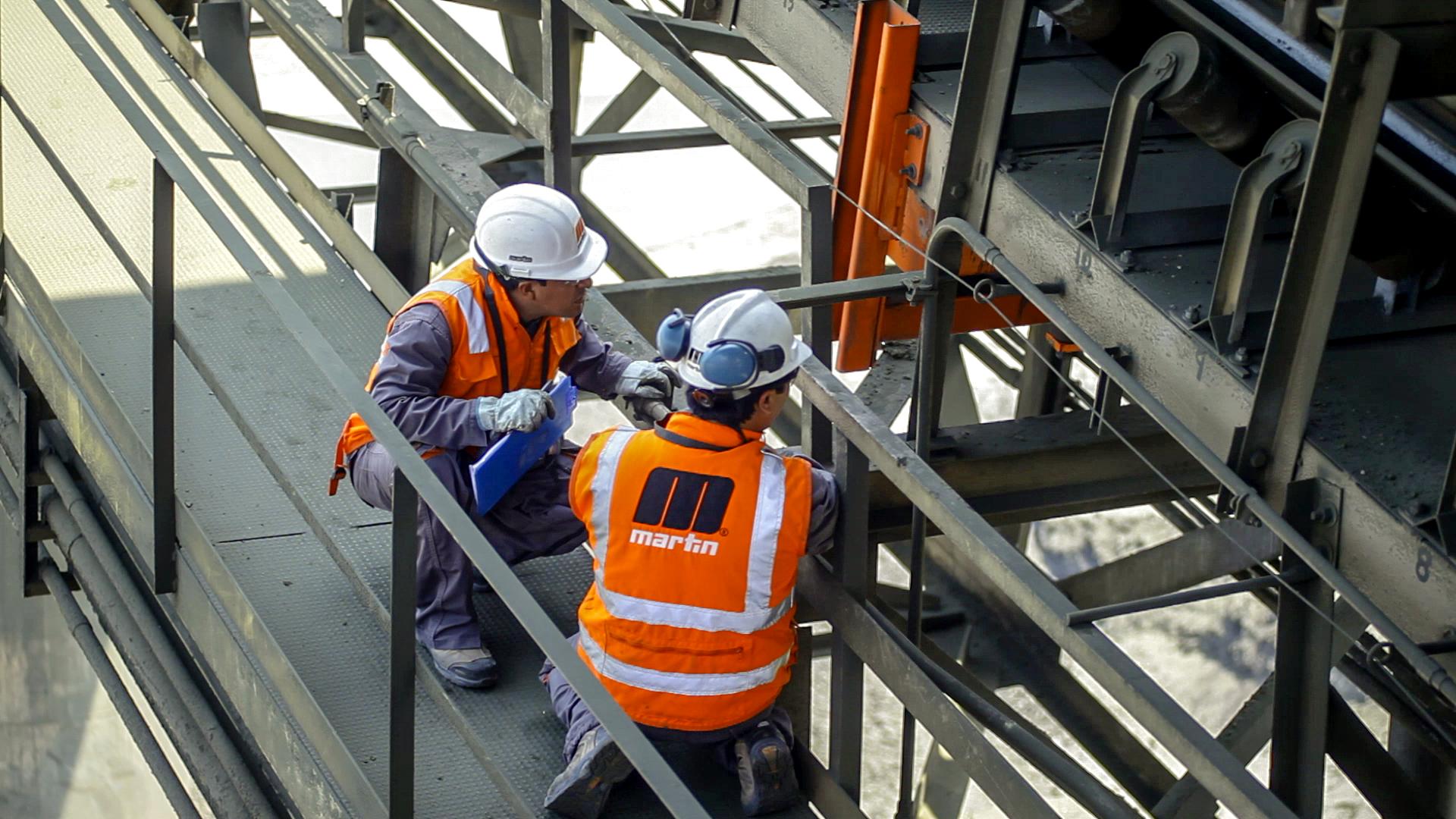 conveyor belt inspecti