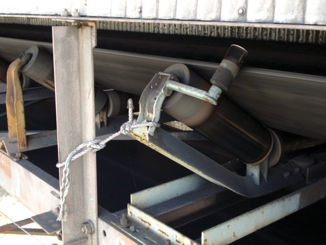 Tying off a conveyor idler doesn't always solve the issue of belt mistracking